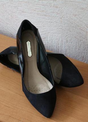 Dorothy perkins  краствая классика!лаковые туфли р.37