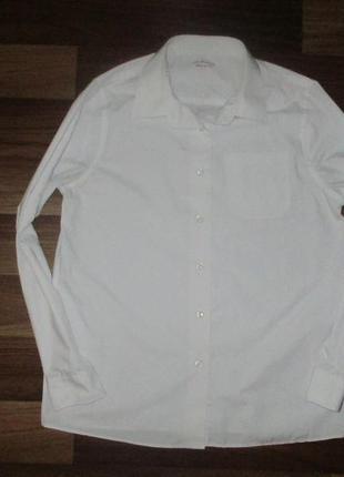 Беленькая рубашечка с длинным рукавом маркспенсер на 12-13 лет