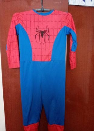 Чоловік пук павук