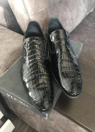 Туфли лакированные(емитация крокодиловой кожи)