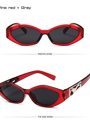 Очки солнцезащитные женские ретро стиль в красной оправе