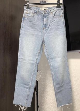 Классные джинсы mom topshop