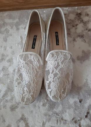 Ідеальні балетки білого кольору зі стразам  турецького бренду tucino