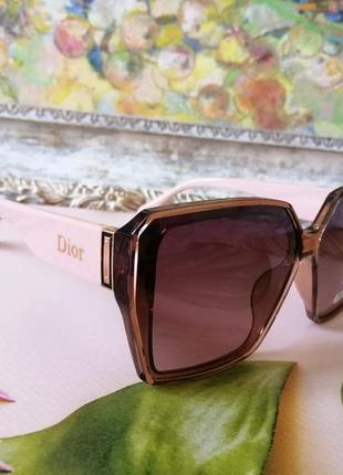 Брендовые женские солнцезащитные нюдовые розовые женские очки с поляризацией