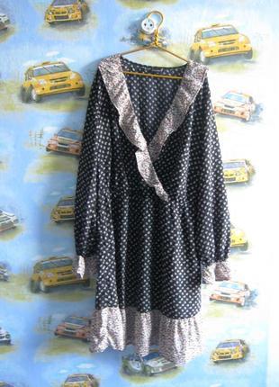 Супер платье в мелкий цветочек в стиле бохо. с рюшами.