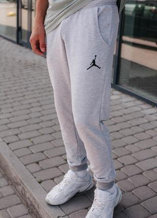 Мужские спортивные брюки.