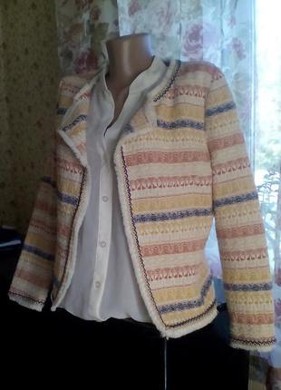 Пиджак в этническом стиле.
