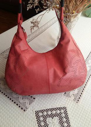 Кожаная сумка(натуральная кожа)нежного красно-лососевого цвета с перфорацией.4