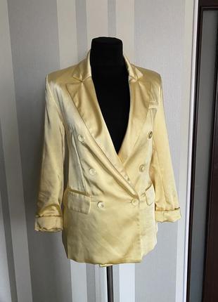 Шикарный двухбортный жакет атласный модного желтого цвета