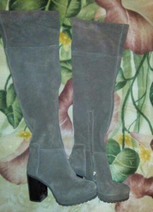 Продам новые сапожки - сапоги.фирма stradivarius .кожа-замша