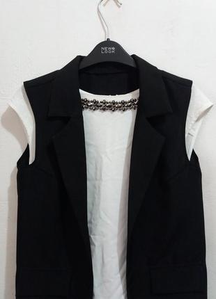 Стильная блуза с камушками от warehouse