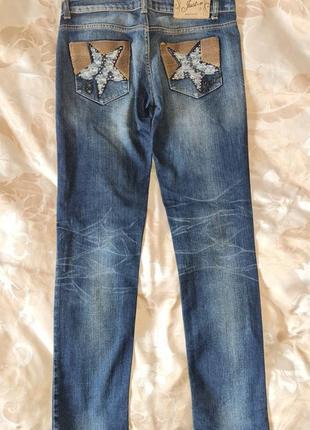 Justor красивые джинсы прямые декор