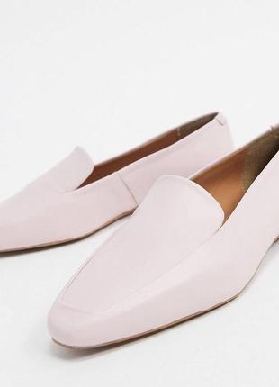 Нежно розовые кожаные лоферы британской фирмы depp
