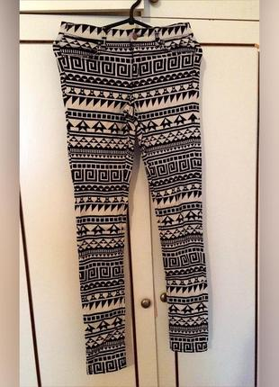 Новые джинсы очень стилтные х/м