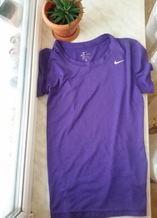 Спортивна футболка nike