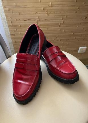 Лоферы туфли bershka
