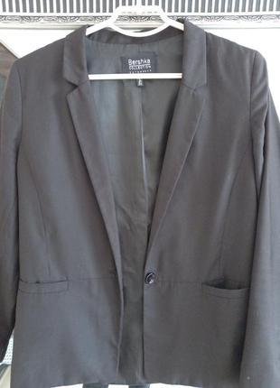 Черный пиджак жакет bershka