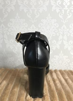 Туфли на каблуке4 фото