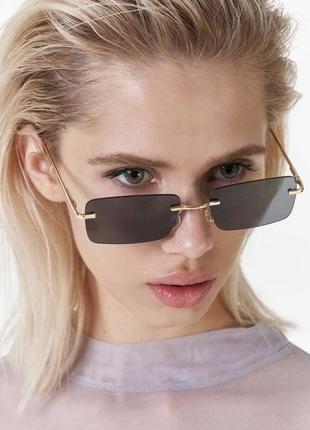 Стильные прямоугольные очки 2021 без оправы