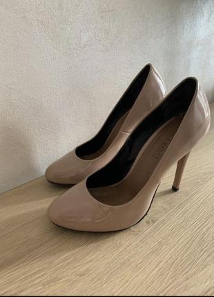 Туфли бежевые очень красивые