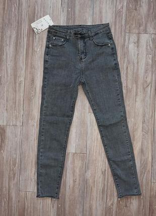 Новые джинсы скинни,  24-25 размер (xs)