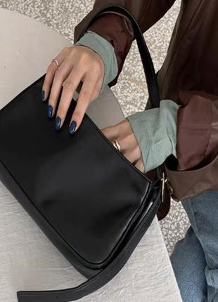 Новая женская чёрная кожаная  сумка багет