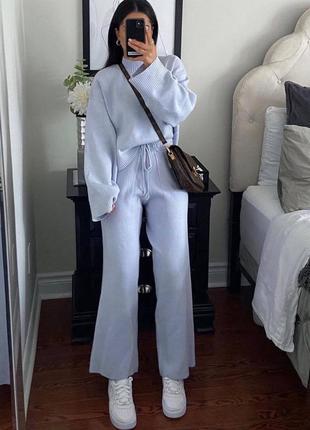 Красивый вязаный костюм zara  (свитер и широкие штаны)