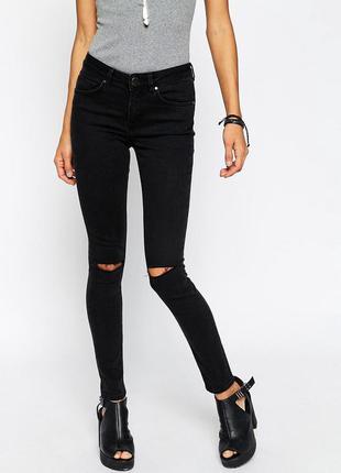 Чёрные рваные джинсы skinny