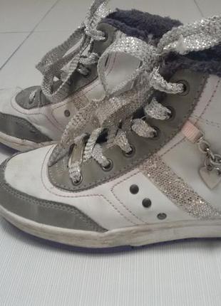 Ботинки для девочек р.  33