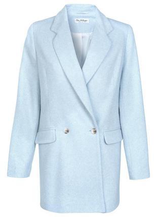 Нежно голубое демисезонное пальто бойфренд