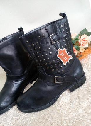 Кожаные, стильные ботинки на низком.42 р
