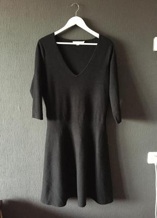 Платье свитер вязаное черное классика деловое теплое с рукавами миди