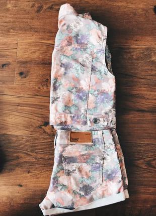 Цветочный джинсовый костюм