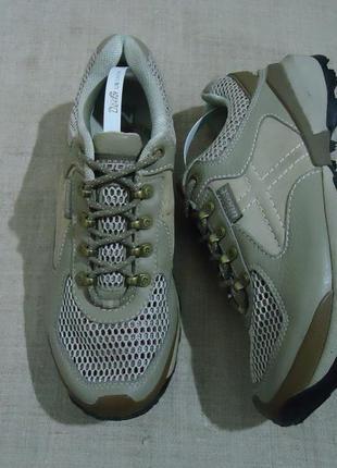 Spring boost кроссовки