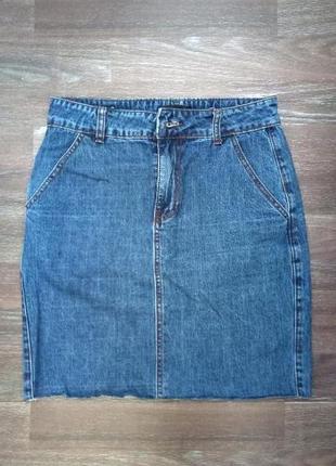 Джинсовая юбка с необработанным краем1 фото