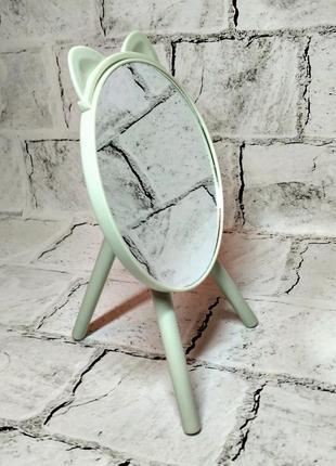Зеркало настольное круглое, зеленое