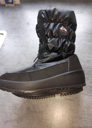 Чоботи , черевички , ботинки
