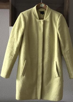Желтое шерстяное пальто m&s