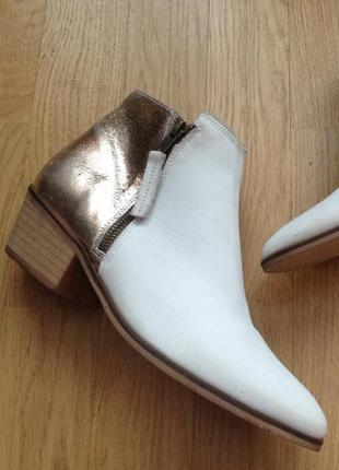 Ботинки из натуральной замши и кожи. стелька 26 см. практически даром!!