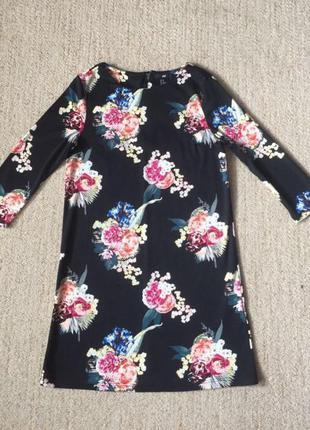 Чёрное короткое платье с принтом из цветов h&m