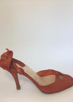 Женственные красные итальянские туфли с бантом оригинал michel perry