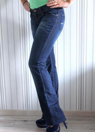 Классические джинсы клеш zara.