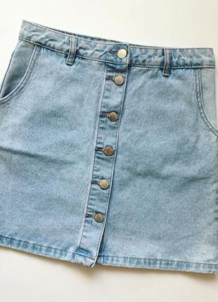 Джинсовая юбка-трапеция на пуговках