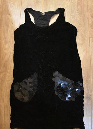 Короткое черное платье бархатное нарядное