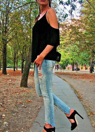 Тренд 2017 зара джинсы рваные крутые 24 размер!