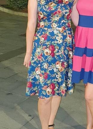 Платье синее принт крупные цветы цветастое