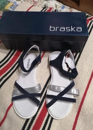 Кожаные босоножки сандалии 37 р. на девочку