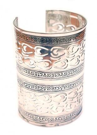 Индийский браслет-скоба широкий белый металл