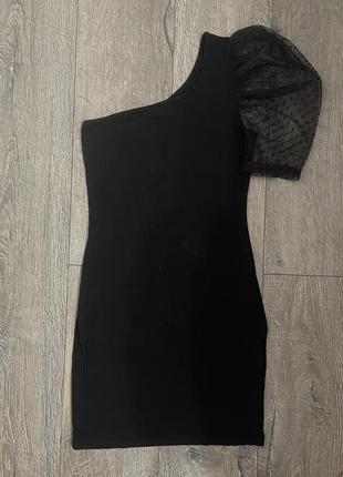 Платье на одно плече фонарик