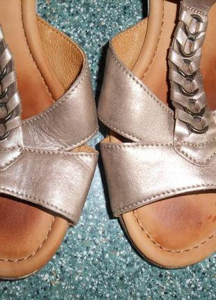 Стильные кожаные фирменные босоножки gabor 39